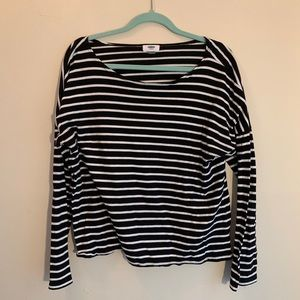 Black and white striped longsleeve shirt